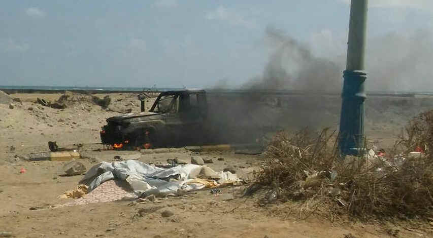 "Photo purportedly showing the attacked vehicle near Aden airport, via <a href=""https://twitter.com/demolinari/status/830769207184756736"">demolinari</a>"