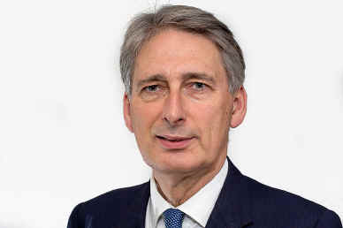 "Former foreign secretary Philip Hammond: his answers to questions about war crimes in Yemen have now been ""corrected"""