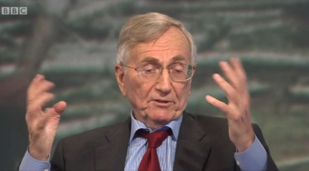 "Hersh: ""Chlorine is just a gas. It's not a chemical warfare weapon. You smell it, you run away."""