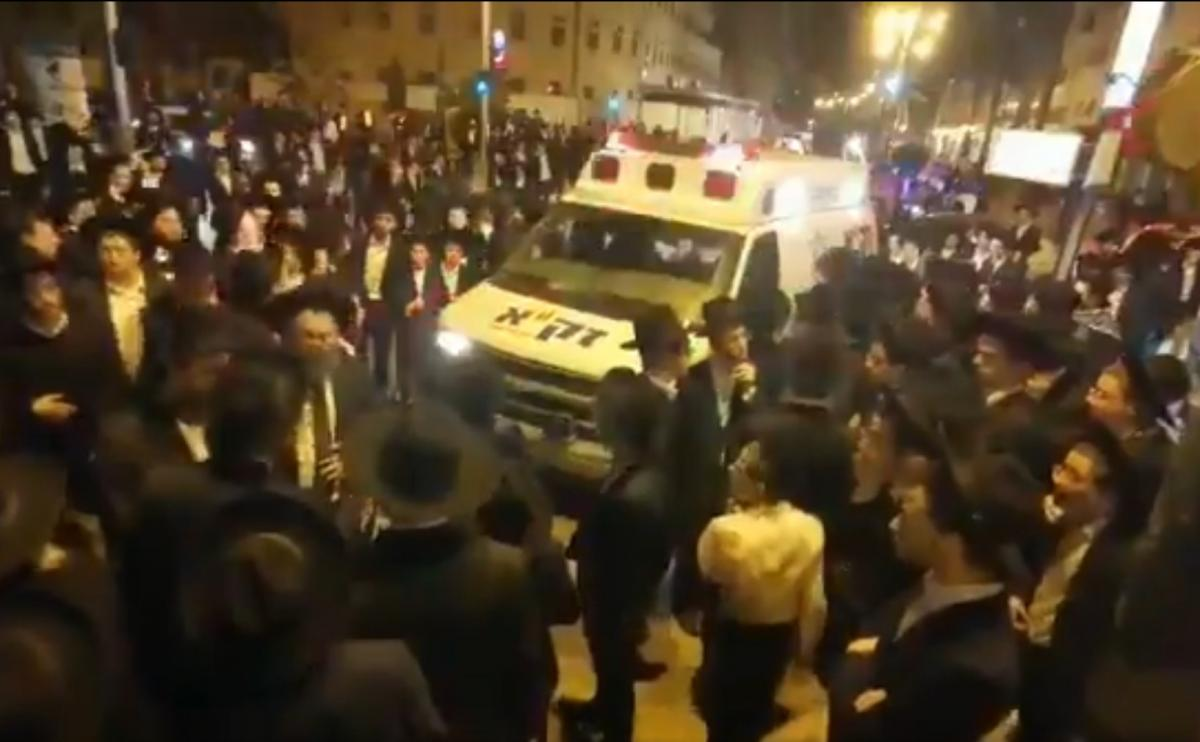 Crowds at the funeral in Bnei Brak on Sunday