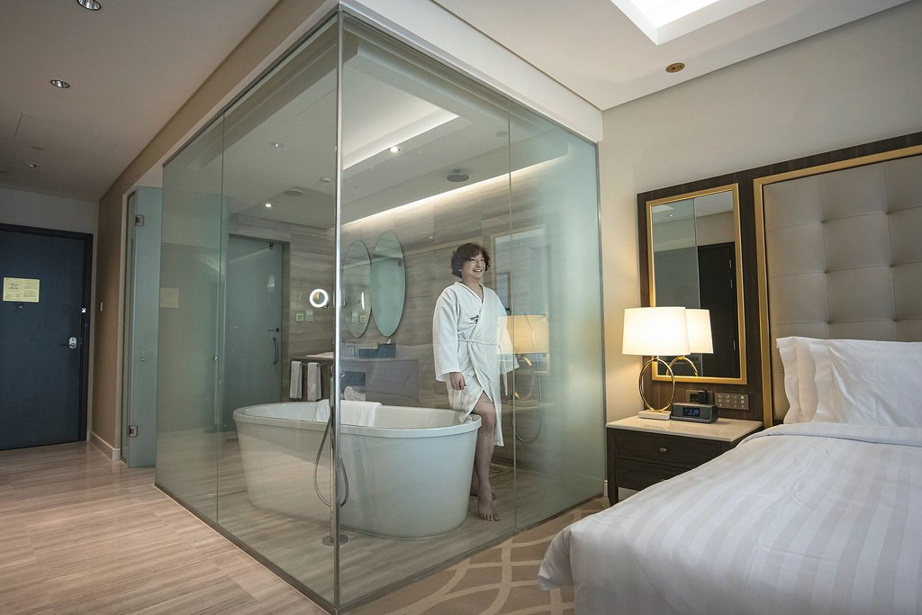 Medium option: quarantine in the Dusit Doha Hotel for $2,167